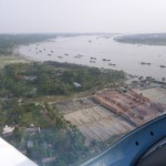 Anflug auf Chittagong, der grosse Zubringer zum offenen Meer mit den vielen Zementfrachtern.