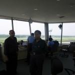 Zuversichtliche Gesichter am Tower von Chittagong, der Abflug nach Indien verzoegert sich da Ahmedabad den Ueberflug verweigert.