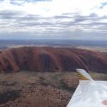Ayers Rock aus der Luft, eine seltene Aufnahme