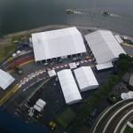 Sicht auf die Formel1 Rennstrecke direkt zu Fusse des Singapur Flyer