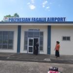 Fagalii Airport, auch hier gibt es Zoll und Health und Quarantaene, aber bei weitem nicht so unangenehm wie in Fiji, aber die Lady in Black wollte unbedingt einen Spray sehen um die Muecken in meinem Cockpit zu killen, ein Deospray tats auch.