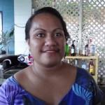 Nette Kellnerin in Apia im Hotel,Insel Fehmarn, auf Samoa
