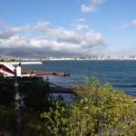 Seaplane, im Hintergrund die Skylane der Einmillionenmetropole Honolulu