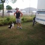 Shawn Gaya und seine Huendin Jacky, bei denen ich zwei Naechte im Motorhome bleiben durfte. Die kleine Ausreisserin Jacky ist Gott sei Dank wieder gefunden worden und zurueck bei Herrchen.