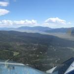 So siehts hier in 3000 Meter aus, ein Flugplatz, ein See und eine Schipiste