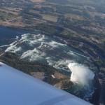 In 3000 ft mit dem eigenen Flieger ueber den Niagarafaellen, ein kroenender Abschluss einer einzigartigen Reise rund um die Welt!