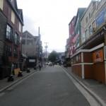 Nette Gasse, die Georgestreet, der 65000 Einwohnerstadt voll mit Bierlokalen