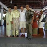 Kann man an einem Tag auf DREI Hochzeiten gleichzeitig tanzen? Man kann wie man hier sieht, Ismail war am Samstag gleich zu drei Hochzeiten geladen und an allen schaute er vorbei, bei zwei davon durfte ich dabei sein, beeindruckende Erlebnisse von malayischer Kultur.